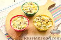 """Фото приготовления рецепта: Заливной салат """"Оливье"""" со шпротами - шаг №9"""
