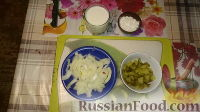 Фото приготовления рецепта: Печенка с огурцами - шаг №4