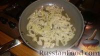 Фото приготовления рецепта: Печенка с огурцами - шаг №6
