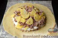 Фото приготовления рецепта: Пирог с мясом и рисом (а-ля курник) - шаг №13