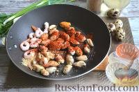 Фото приготовления рецепта: Теплый салат из морепродуктов с рисом - шаг №6