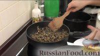 Фото приготовления рецепта: Постные голубцы с грибами - шаг №8
