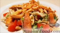 """Фото к рецепту: Теплый салат """"Дары моря"""" из морепродуктов"""