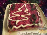 """Фото к рецепту: Салат """"Селёдка под шубой"""" с сыром"""