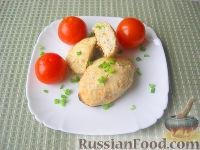 Фото к рецепту: Куриные котлеты с квашеной капустой, запеченные в духовке