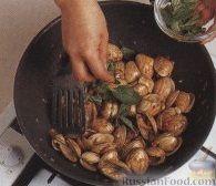Фото приготовления рецепта: Рис с овощами, в сковороде - шаг №9