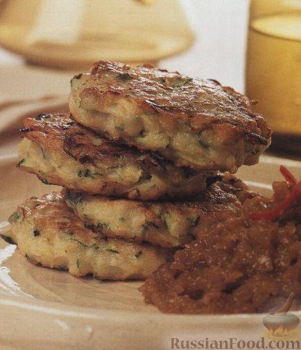 Рецепт Котлеты из кабачков с острым луковым соусом