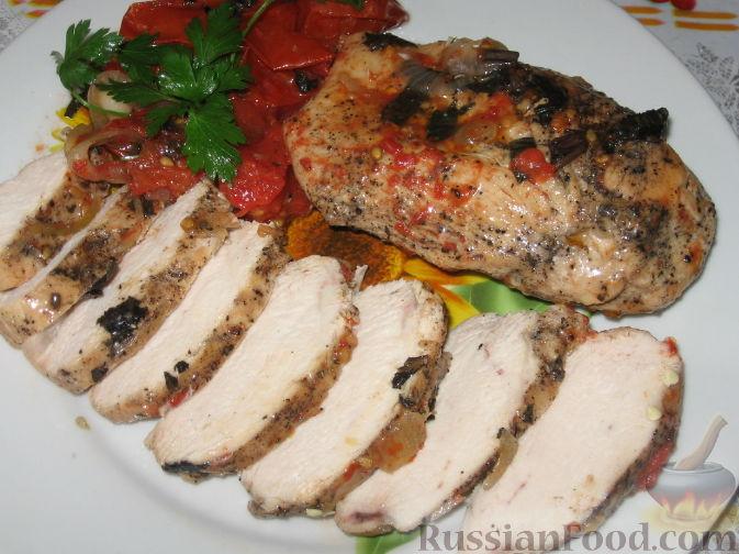 Рецепт Куриные грудки с тушеными помидорами