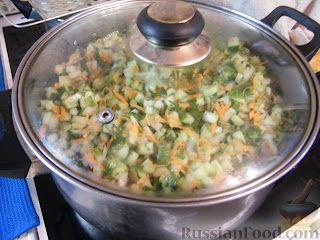 Фото приготовления рецепта: Заправка для солянок и рассольников - шаг №4