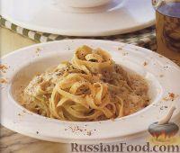 Фото к рецепту: Тальятелле с тремя сырами и орехами