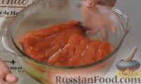 Фото приготовления рецепта: Как засолить красную рыбу - шаг №3