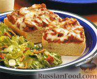 """Фото к рецепту: """"Пицца"""" из багета (горячие бутерброды с грибами и фаршем)"""