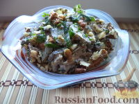 Слоеный салат с куриной печенью