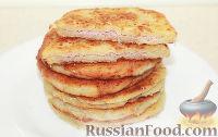 Фото к рецепту: Cырные лепешки с ветчиной