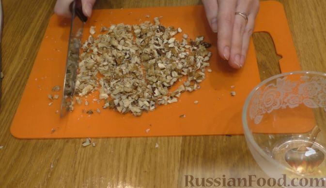Фото приготовления рецепта: Салат из курицы с апельсинами - шаг №4