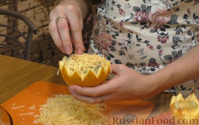 Фото приготовления рецепта: Салат из курицы с апельсинами - шаг №8