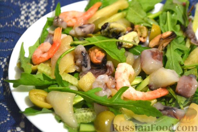 Салат с морепродуктами и огурцом рецепт