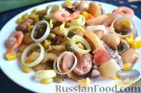 Фото к рецепту: Салат из морепродуктов, с фасолью, кукурузой и каперсами