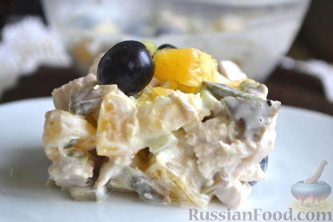 салат пикантный с киви и бананом рецепт