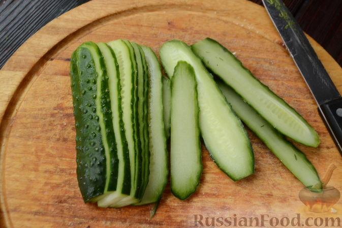 Фото приготовления рецепта: Овощной слоеный салат со свёклой - шаг №10
