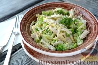 Фото к рецепту: Салат из брокколи с курицей