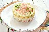 Фото к рецепту: Салат с крабовыми палочками и яблоком