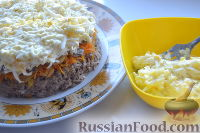 Фото приготовления рецепта: Салат «Улёт» с печенью индейки и грибами - шаг №10