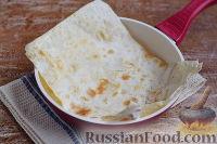 Фото приготовления рецепта: Рулет из лаваша с курицей, грибами и сыром - шаг №6