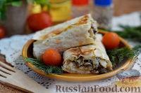 Фото приготовления рецепта: Рулет из лаваша с курицей, грибами и сыром - шаг №9