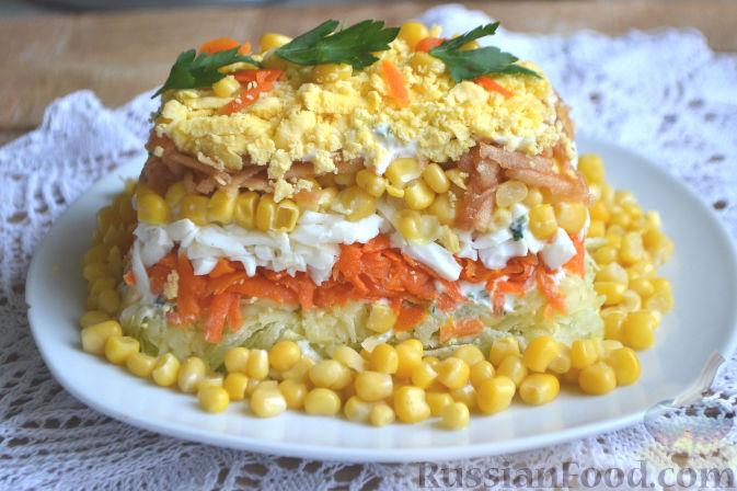 слоеный салат с сухариками и кукурузой рецепт