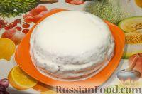 Фото к рецепту: Шоколадный бисквит в мультиварке, со сметанным кремом