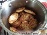 Фото приготовления рецепта: Рыбные тефтели в томатном соусе - шаг №6