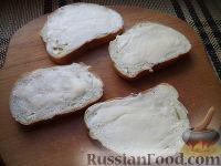 Фото приготовления рецепта: Бутерброды с печенью трески и яйцами - шаг №7