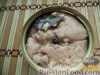 Фото приготовления рецепта: Бутерброды с печенью трески и яйцами - шаг №4