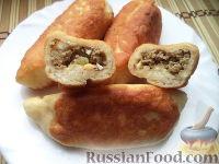 Фото к рецепту: Пирожки с начинкой из отварного мяса