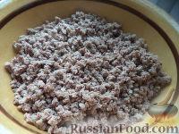 Фото приготовления рецепта: Пирожки с начинкой из отварного мяса - шаг №9