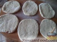 Фото приготовления рецепта: Пирожки с начинкой из отварного мяса - шаг №16
