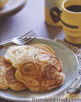 Фото к рецепту: Оладьи с бананами и бурбоном