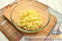 Фото приготовления рецепта: Салат с блинчиками из яиц - шаг №6