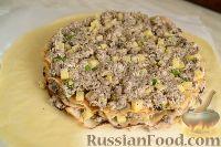 Фото приготовления рецепта: Курник с грибами и картофелем - шаг №10