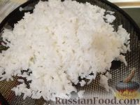 Фото приготовления рецепта: Салат из креветок с рисом - шаг №2