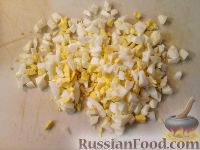 Фото приготовления рецепта: Салат из креветок с рисом - шаг №3