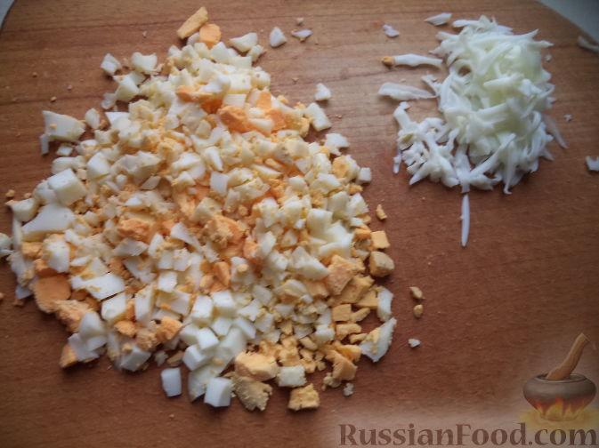 Фото приготовления рецепта: Рыбный суп с кускусом - шаг №1
