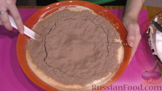 """Фото приготовления рецепта: Торт """"Пьяная вишня"""" - шаг №4"""