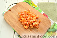 Фото приготовления рецепта: Весенний салат с куриной грудкой - шаг №5