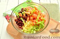 Фото приготовления рецепта: Весенний салат с куриной грудкой - шаг №6