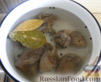 Фото приготовления рецепта: Салат с сердцем и зеленым горошком - шаг №8