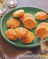 Фото к рецепту: Котлеты из киноа и козьего сыра