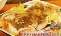 Фото к рецепту: Индейка, запеченная с чесноком и розмарином