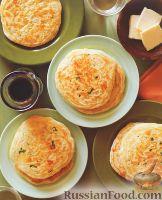 Фото к рецепту: Оладьи с сыром и шалфеем